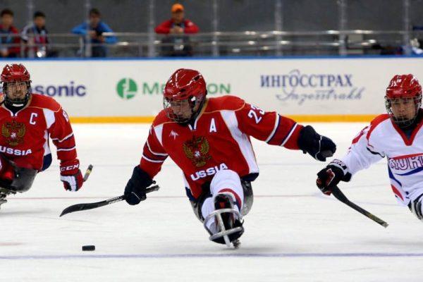 Toboggan-hockey-sport-lake-of-como