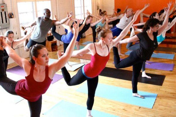 power-yoga-benefici-organismi