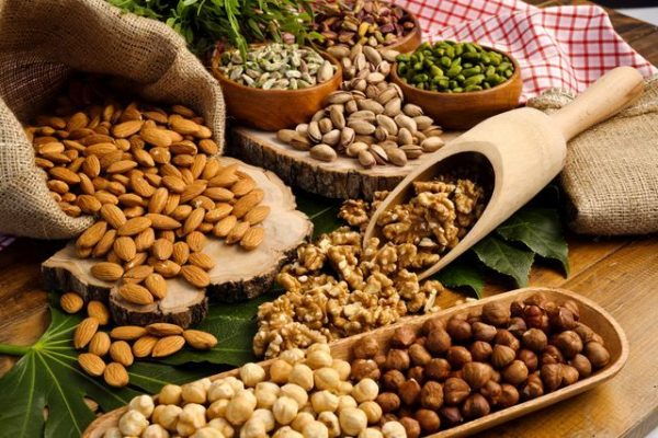 frutta-secca-fa-bene-proprieta-nutritive-benefici