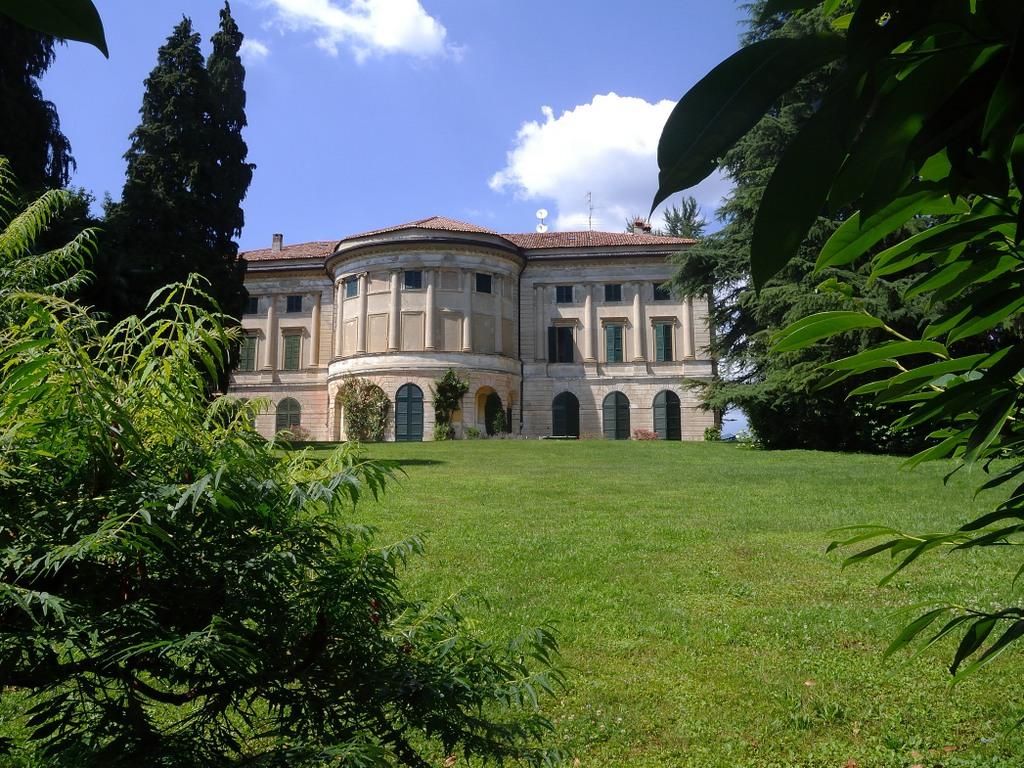 Villa Carcano Anzano Del Parco